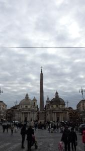 El obelisco alineado con las Iglesias gemelas...