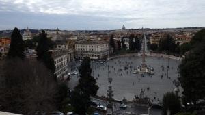 La Piazza del Popolo desde el Monte Pincio. Al fondo, San Pedro del Vaticano...