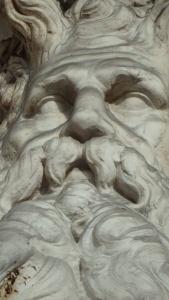 Detalle de una de las miles de fuentes que te encuentras por Roma...