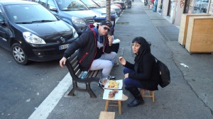Siempre sienta mejor si se come en la calle...
