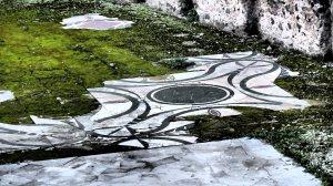 Restos de azulejos de la Domus Augustiana