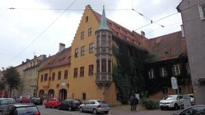 Edificio de entrada al recinto