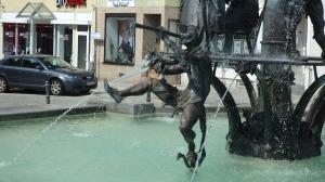 Detalles de la fuente de la Rathausplatz de Ehingen