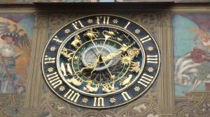 El famoso reloj astronómico de la fachada del ayuntamiento de Ulm