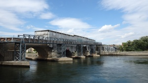 El famoso puente de entrada a la ciudad...en obras