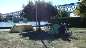 Mi camping y mi río