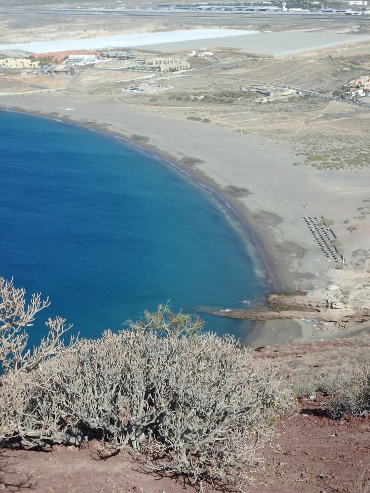 La Playa de la Tejita desde lo alto de la montaña roja